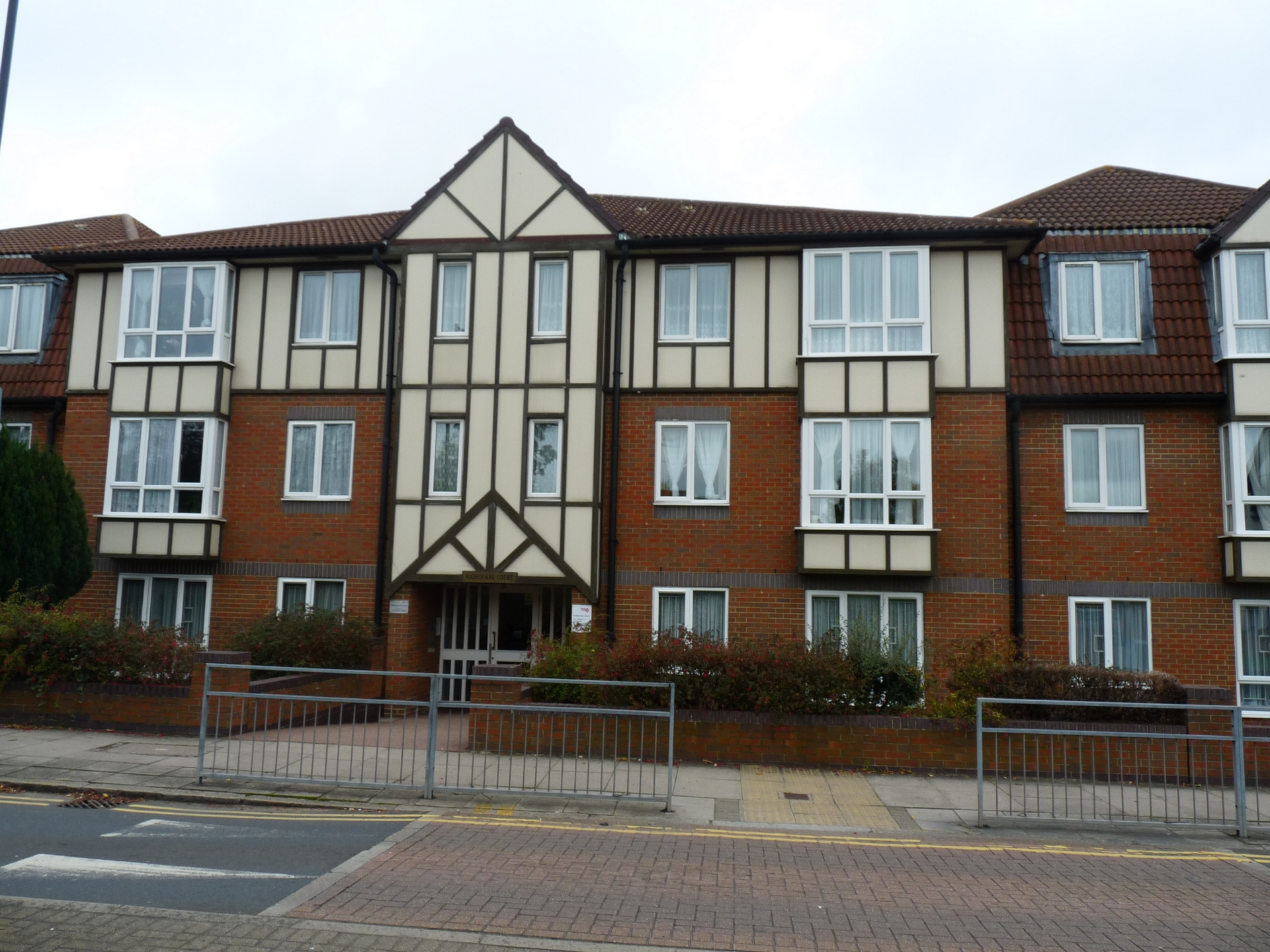 Draycott Avenue  Kenton  HA3