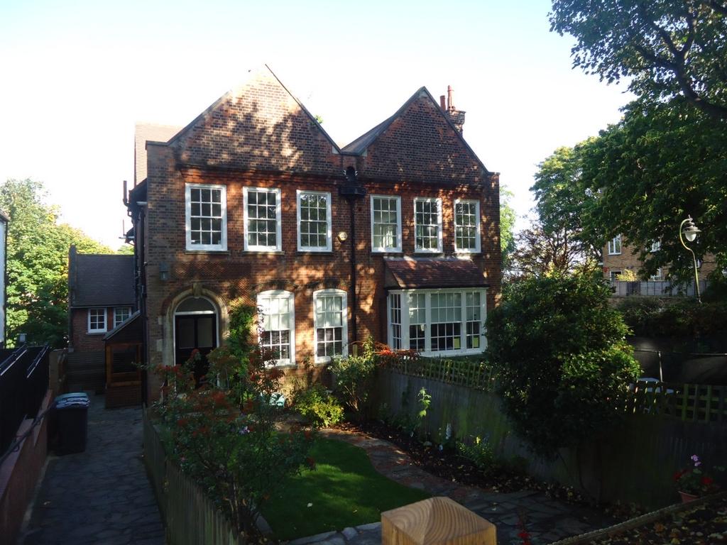 Shepherds Hill  Highgate  N6