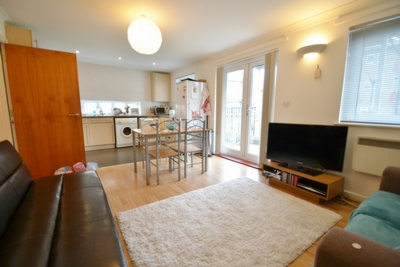 Alkham Road  Two Bedroom Flat With Large Garden in Stoke Newington  N16
