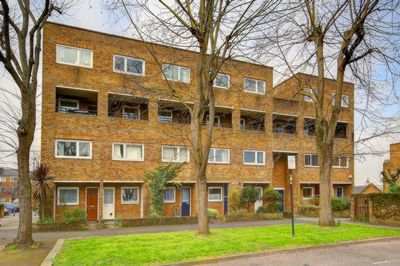 Garrick Close  Wandsworth  SW18