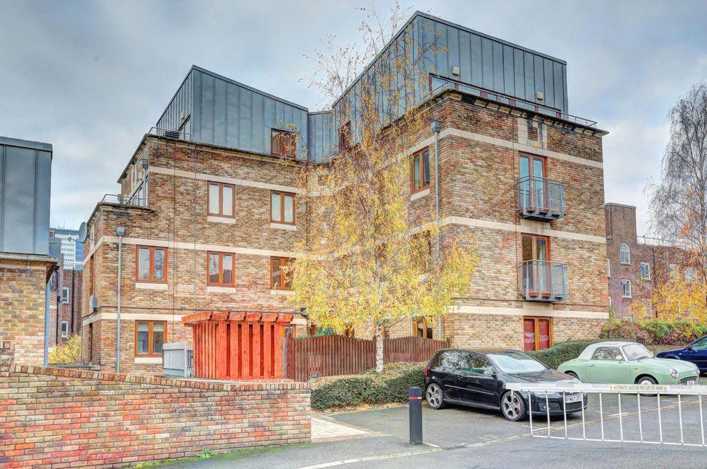 East Hill  London  SW18