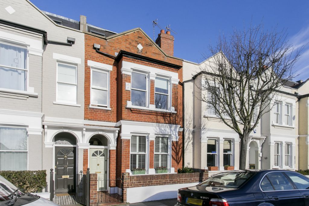 Pentland Street  Wandsworth  SW18