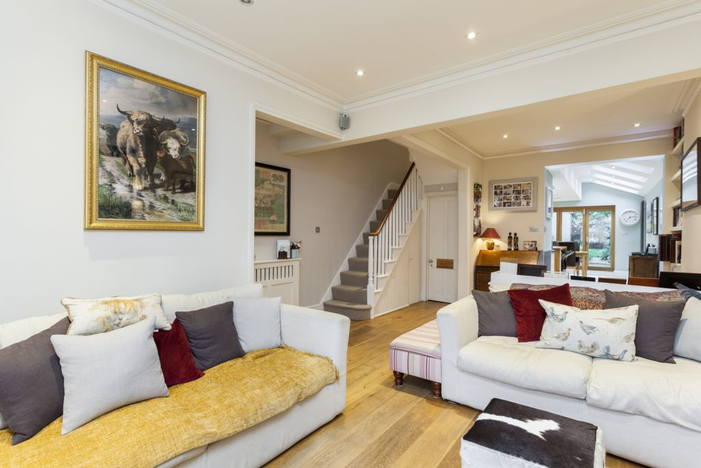 5 Bedroom Detached House For Sale In Bank Lane London SW15 Easy Rules