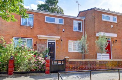Malva Close  Wandsworth  SW18