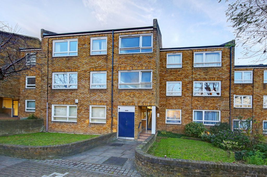 Bartholomew Close  Wandsworth  SW18