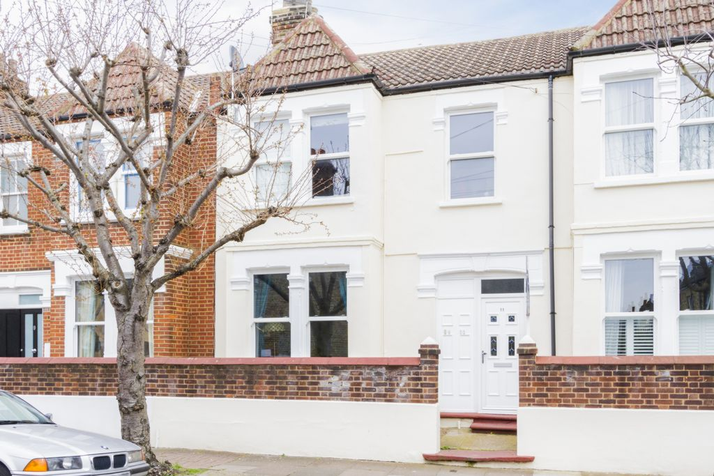 Crealock Street  Wandsworth  SW18
