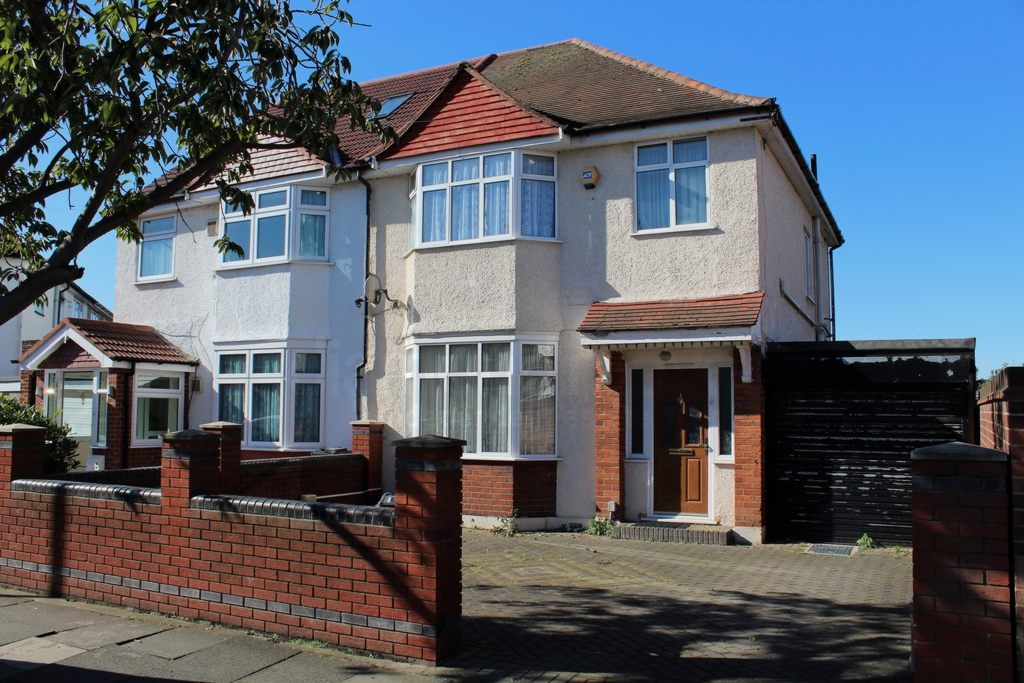 Munster Avenue  Hounslow  TW4