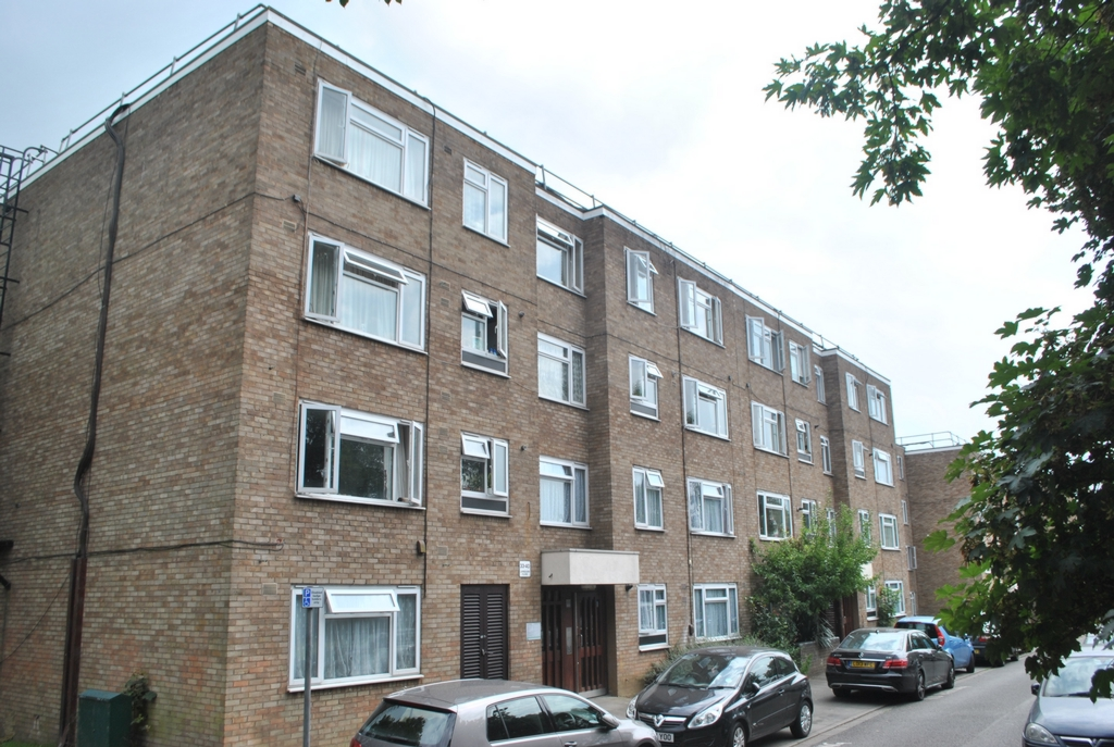 Property For Sale Lambourn Close Hanwell W7 2 Bedroom