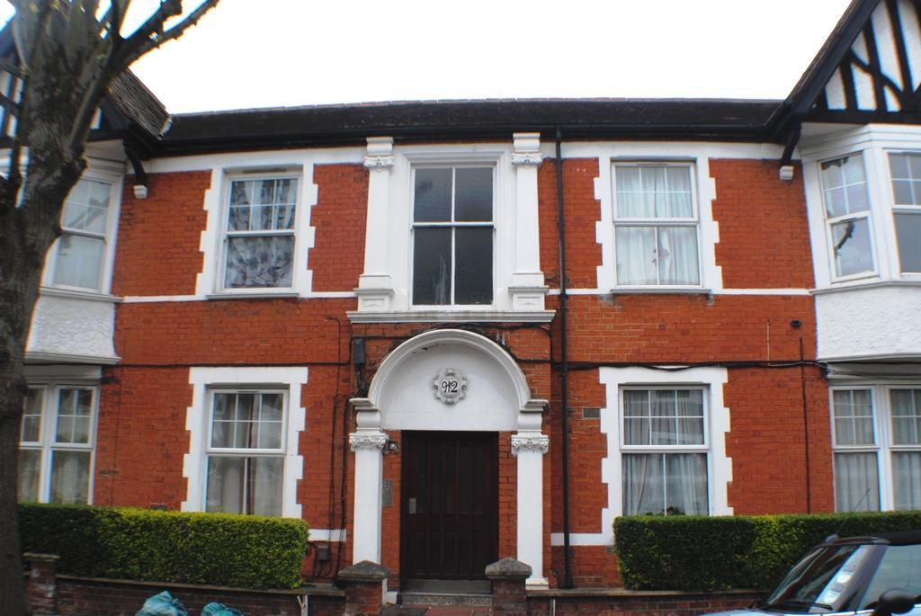 Northcote Avenue  Ealing  W5