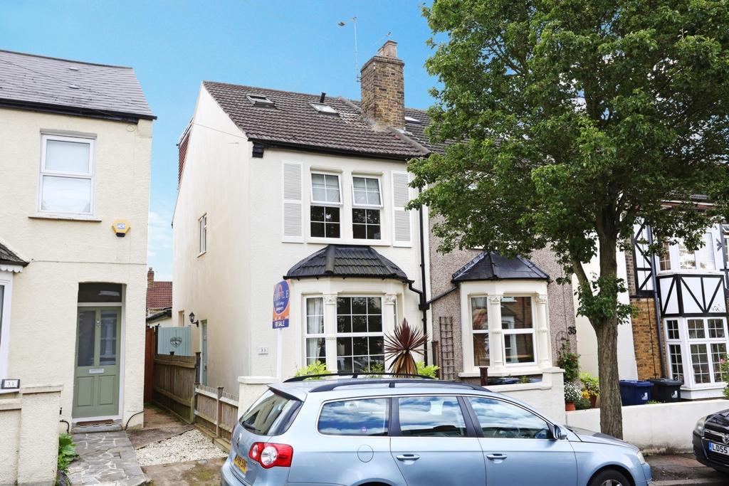 St Dunstans Road  Hanwell  W7