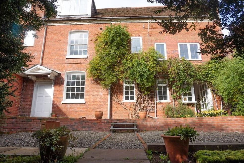 Rochford  Tenbury Wells  WR15