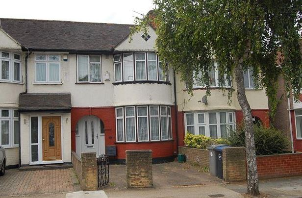 Winchester Avenue  Colindale  NW9