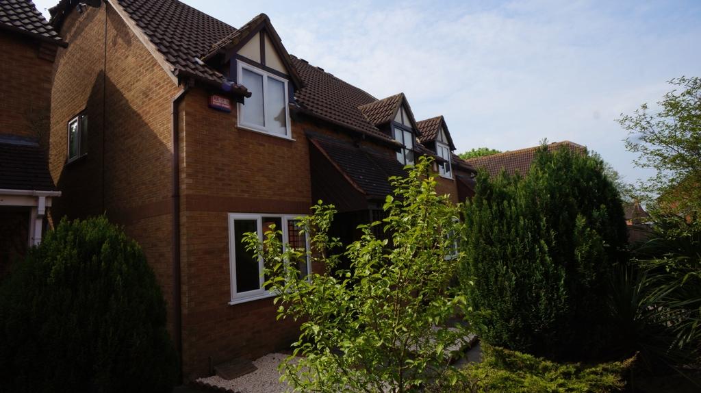 Hunsdon Close  Stantonbury Fields  MK14