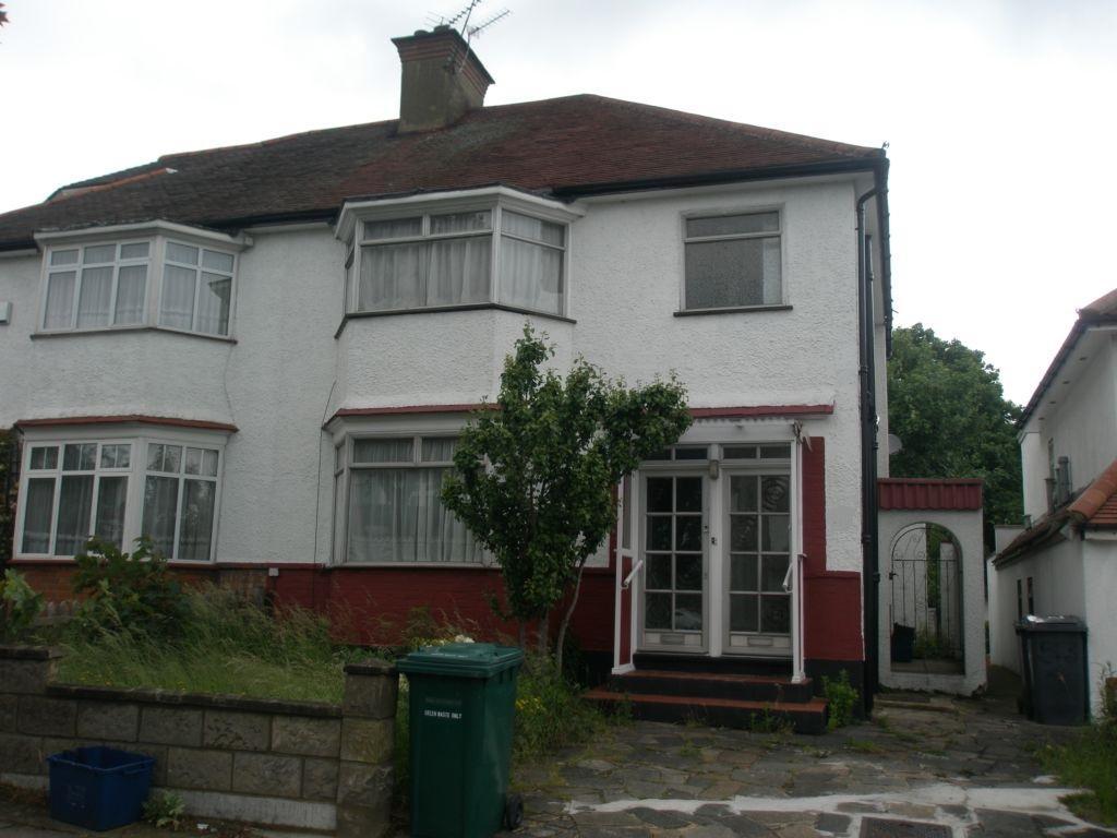 Renters Avenue  Hendon  NW4