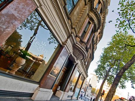 Northumberland Avenue  Trafalgar Square  WC2N