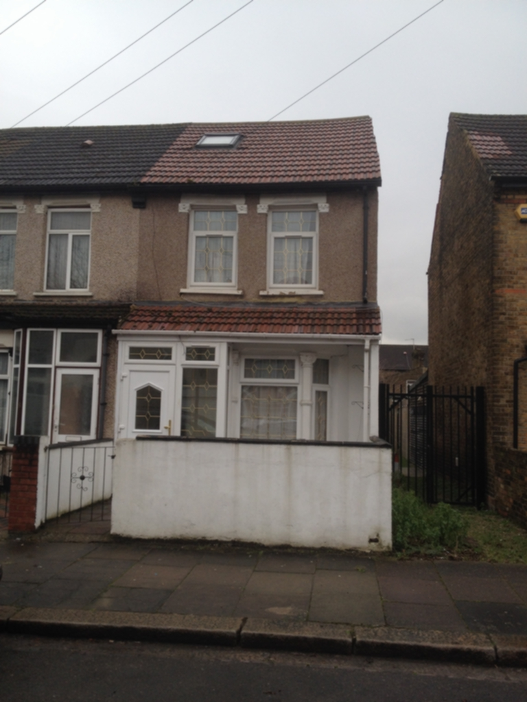 Inverness Road  Southall  UB2