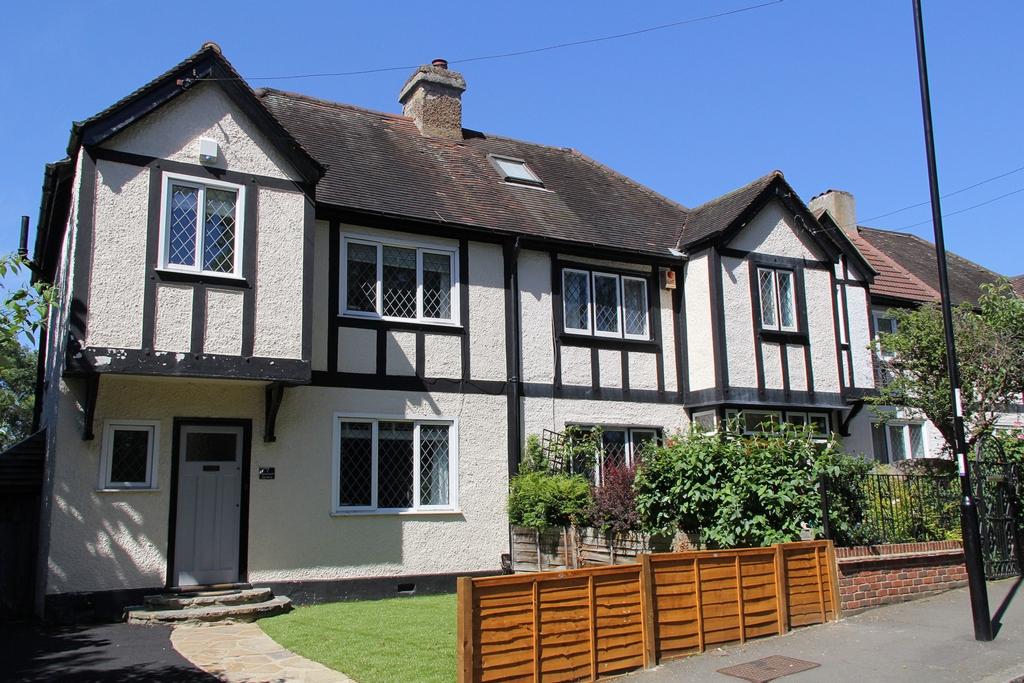 Deanfield Gardens  Croydon  CR0