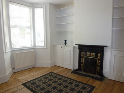 2 Bedroom House to rent in Bective Road, Putney, London, SW15