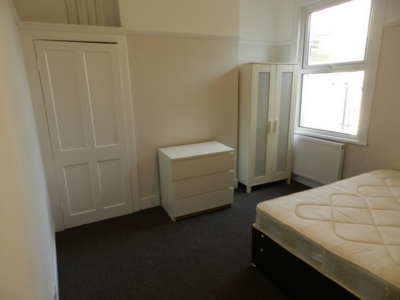 1 Bedroom Flatshare to rent in Nova Road, West Croydon, Croydon, CR0