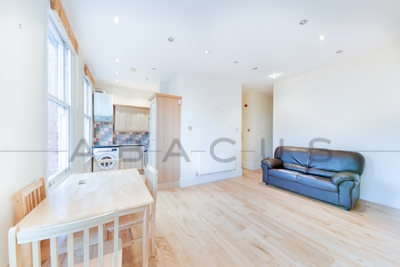 2 Bedroom Flat to rent in Goldhurst Terrace, West Hampstead, London, NW6