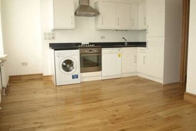 1 Bedroom Flat to rent in High Road, East Finchley, London, N2