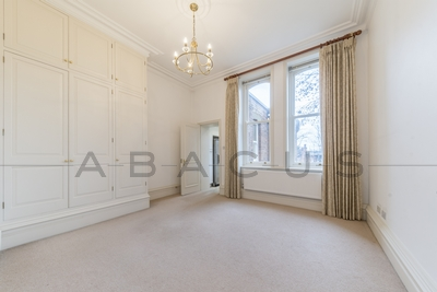 3 Bedroom Flat to rent in Lindfield Gardens, Hampstead, London, NW3