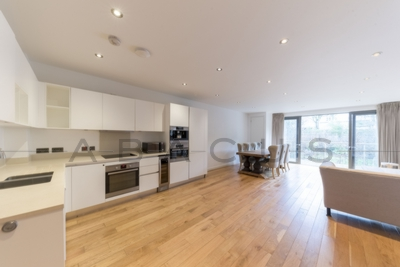 3 Bedroom Flat to rent in Finchley Road, Hampstead, London, NW3