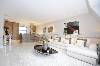 4 Bedroom Flat to rent in St. John's Wood Park, St John's Wood, London, NW8