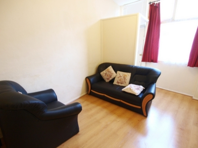 1 Bedroom Flat to rent in Wedmore Gardens, Archway, London, N19
