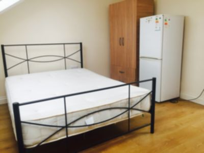 Room To Let to rent in Churchill Road, Willesden, London, NW2