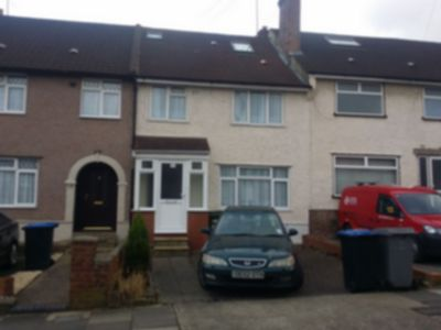 Room To Let to rent in Selsdon Road, Neasden, London, NW2