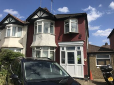 Room To Let to rent in North Circular Road, Neasden, London, NW2