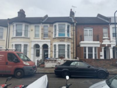 Room To Let to rent in Lechmere Road, Willesden, London, NW2