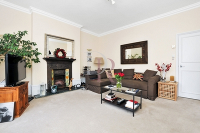 1 Bedroom Conversion to rent in Belitha Villas, Barnsbury, London, N1