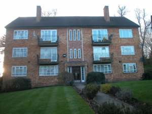 2 Bedroom Flat to rent in Elms Lane, Sudbury, HA0