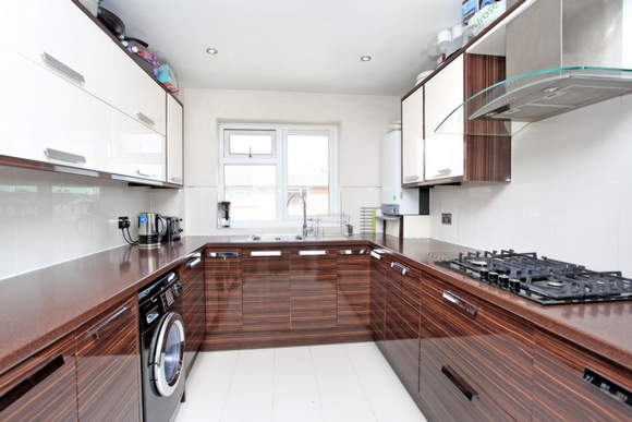 2 Bedroom Flat to rent in High Road, Whetstone, London, N20