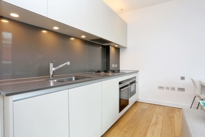 Studio to rent in New Globe Walk, London, SE1