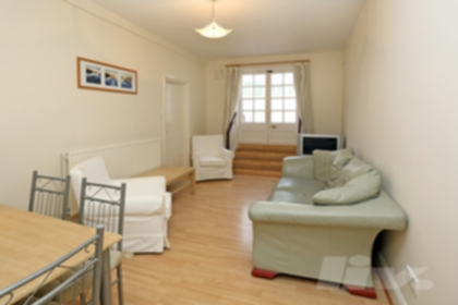 3 Bedroom Flat to rent in Shoot Up Hill, Kilburn, London, NW2