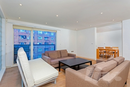 3 Bedroom Flat to rent in Abbey Road, St John's Wood, London, NW8