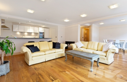 2 Bedroom Apartment to rent in Queens Terrace, St John's Wood, London, NW8