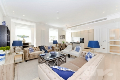 3 Bedroom Apartment to rent in Arkwright Road, Hampstead, London, NW3