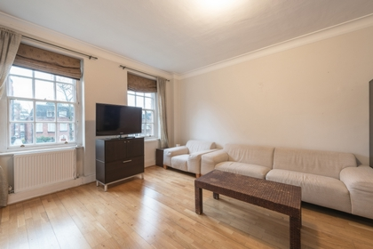2 Bedroom Flat to rent in Finchley Road, St John's Wood, London, NW8