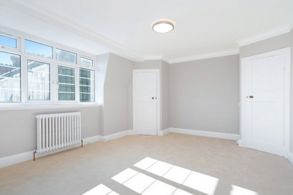 Studio Flat to rent in Pembroke Road, Kensington, London, W8