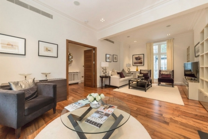 7 Bedroom House to rent in Sheffield Terrace, Kensington, London, W8