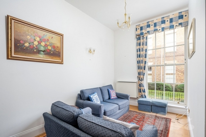 3 Bedroom Apartment to rent in Royal Drive, New Southgate, London, N11