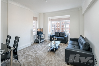 1 Bedroom Flat to rent in Park Road, Regents Park, London, NW1