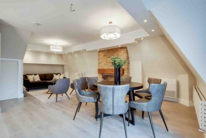 4 Bedroom Apartment to rent in Fitzjohns Avenue, Hampstead, London, NW3