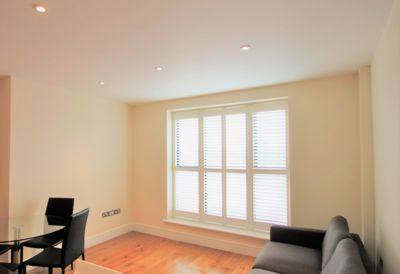 1 Bedroom Flat to rent in High Road, Willesden Green, London, NW10