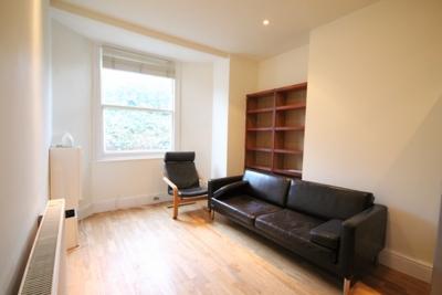3 Bedroom Flat to rent in St Johns Grove, Archway, London, N19