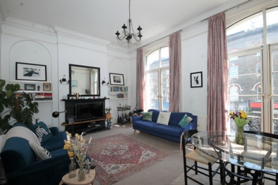 1 Bedroom Flat to rent in Regents Park Road, Primrose Hill, London, NW1